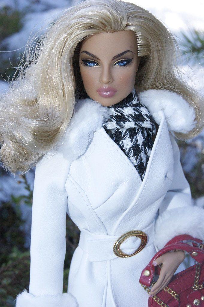 Eugenia Going Public #oyuncakbebekelbiseleri Eugenia Going Public | Niva80 | Flickr #oyuncakbebekelbiseleri