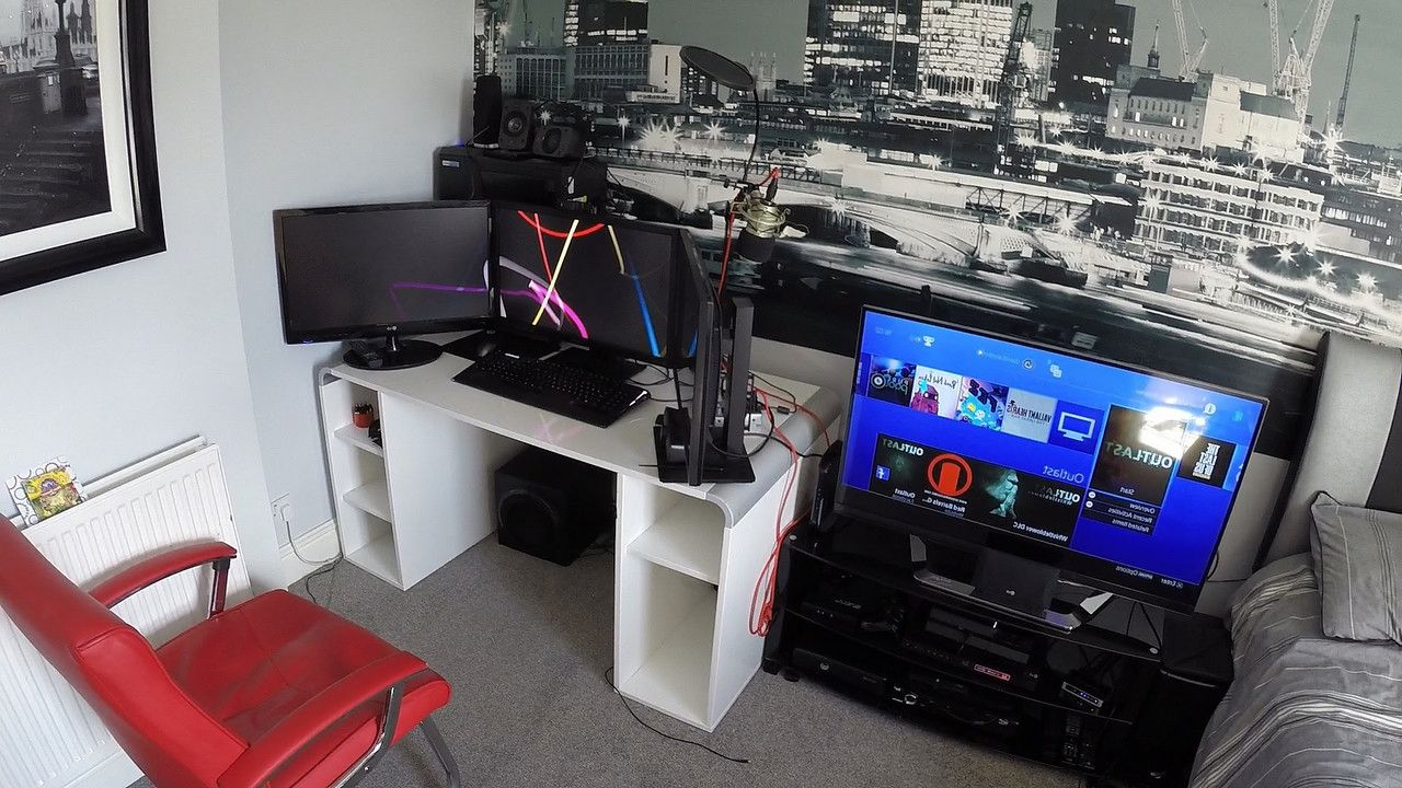 Video Game Themed Rooms Are Super Cool Lets Face It Whether You Are Young Or Old You Have Probably Enjoyed Video Game Rooms Small Game Rooms Game Room Decor
