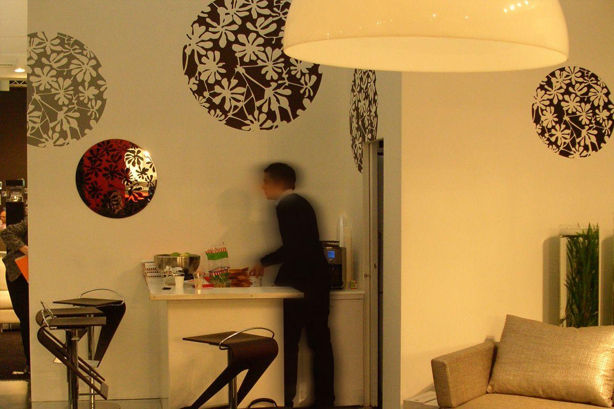 Stand TRISS, Meubles Paris, Bourget. Prix de la meilleure mise en scène. Scénographie et Design mural, Karine Montreuil, Atelier Kaali. http://design-mural.com/