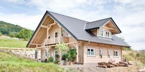 pin von auf blockhaus pinterest haus einfamilienhaus und holzhaus. Black Bedroom Furniture Sets. Home Design Ideas