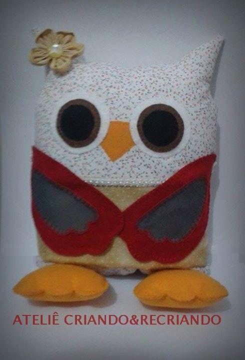 Almofada coruja em feltro e tecido