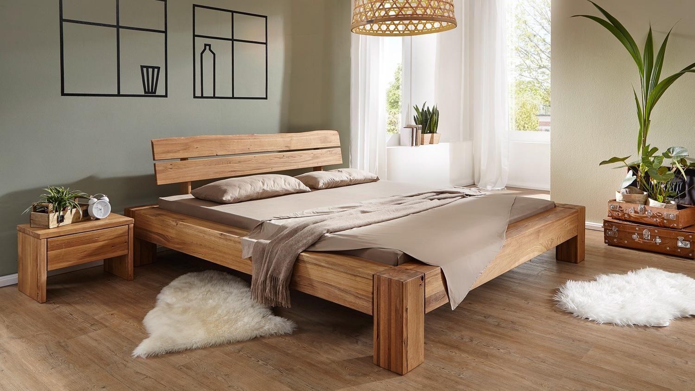 Bett Wildeiche massiv geölt Kopfteil mit Baumkante 180x200