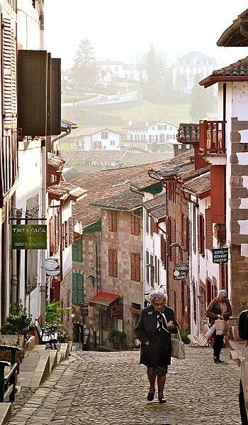 Saint Jean Pied De Port Pyrénées Atlantiques France Santiago De Compostela Camino De Santiago Camino Frances