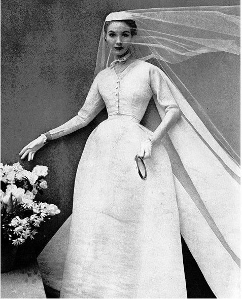 fa0df92e46af 1952 Balenciaga wedding gown featured in Harper s Bazaar. Svadobné  ŠatyVintage ...