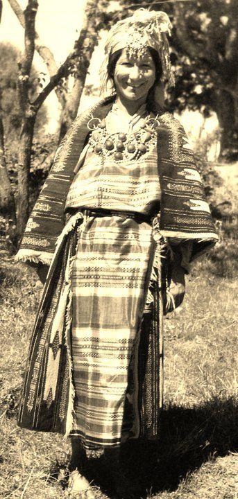 Kabyle Woman Caut.