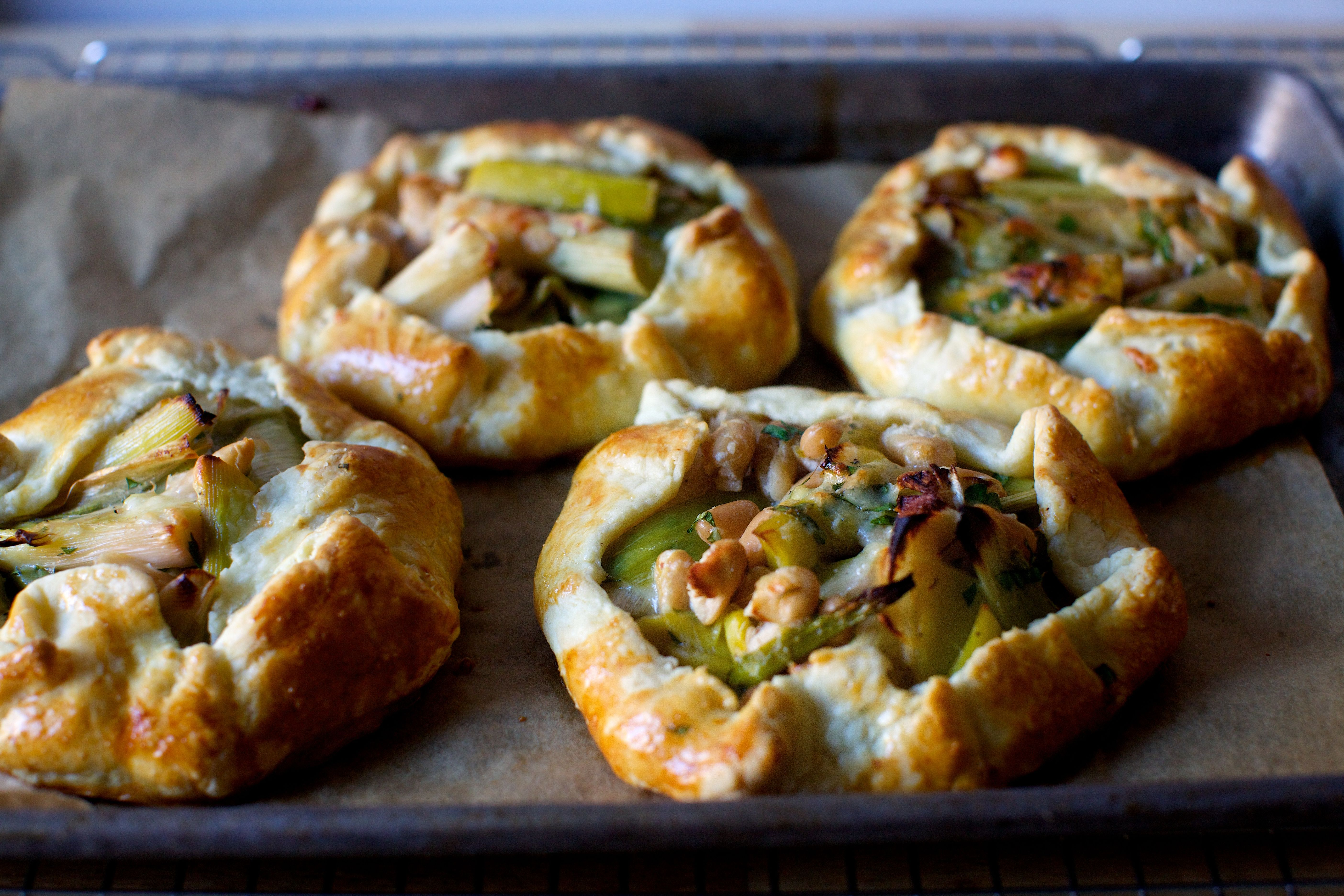 roasted leek and white bean galettes (smitten kitchen) | Recetas ...