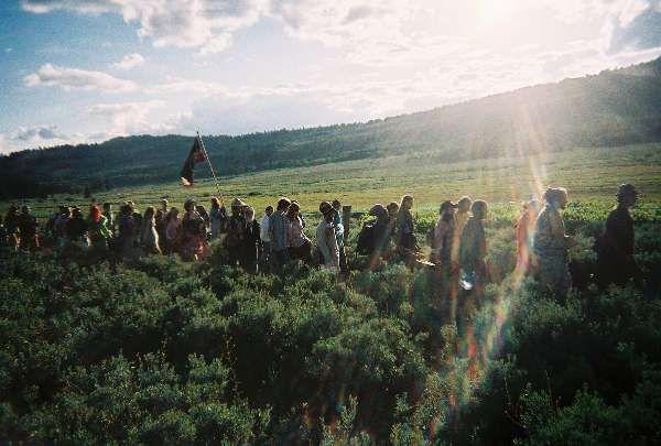Rainbow Gathering California. trail_to_main_circle