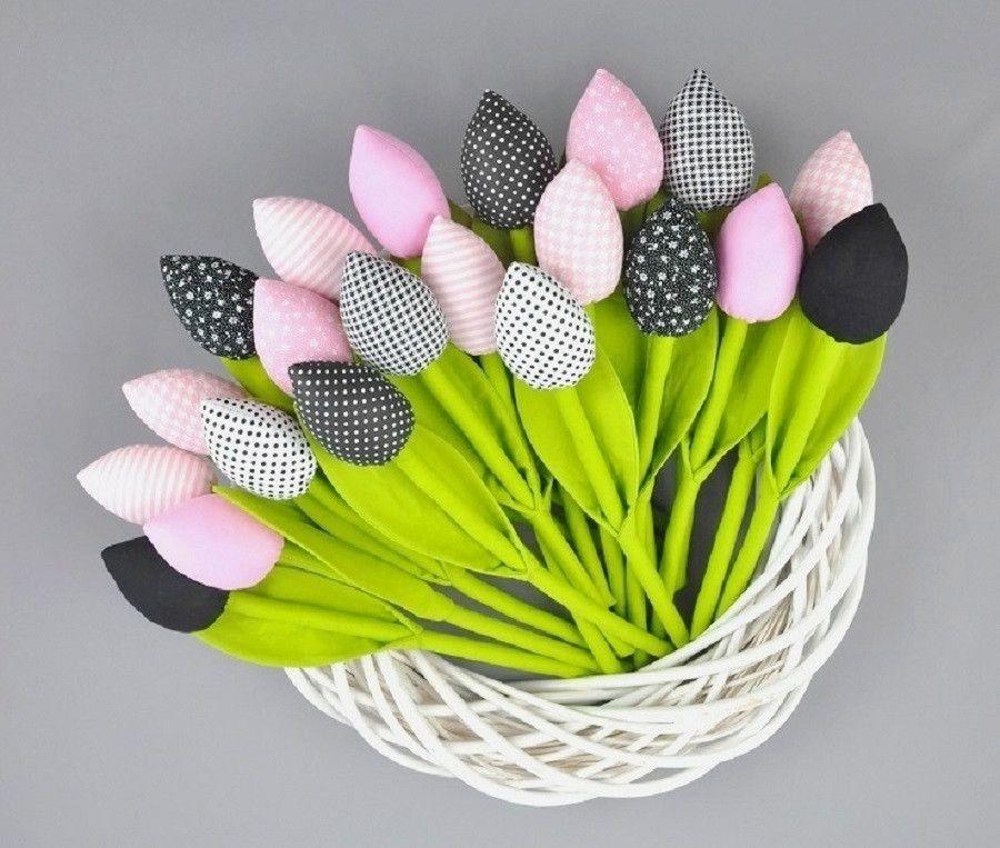 Tulipany Kwiaty Prezent Handmade Rekodzielo Wiosna Wielkanoc Dekoracjewielkanocne Alleluja Artyferia Tulip Crafts Fabric Crafts Shabby Chic Flowers