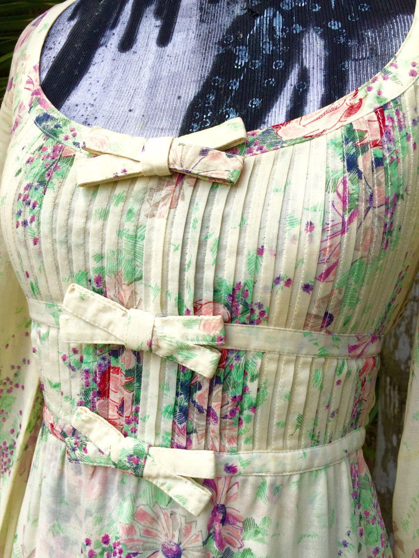 b8c26c5e242 Vintage Dress Albert Nipon Floral dress Prairie Dress !970s Dress Hippie  Boho Bohemian Festival dress by INTUITIONVINTAGE on Etsy