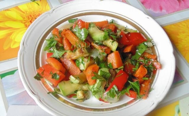 Вкусные рецепты : Курица с кабачками (летний салат ...