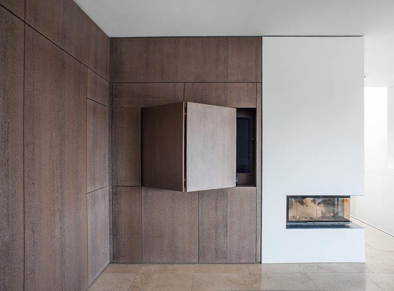 edle wohnzimmerwand mit tv schrank fernsehecke. Black Bedroom Furniture Sets. Home Design Ideas