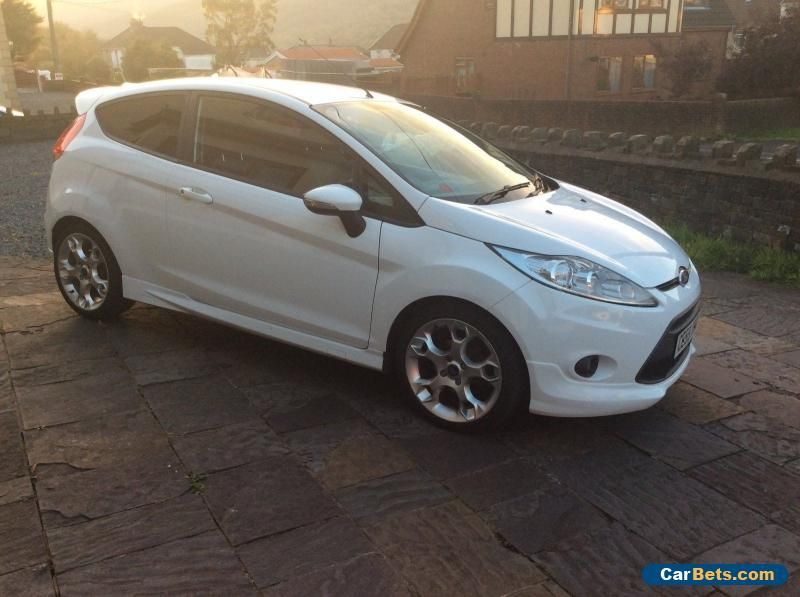 Ford Fiesta 1 6 Tdci Zetec S White Street Pack Ford Fiesta Forsale Unitedkingdom Cars For Sale Motorcycles For Sale Ford Fiesta