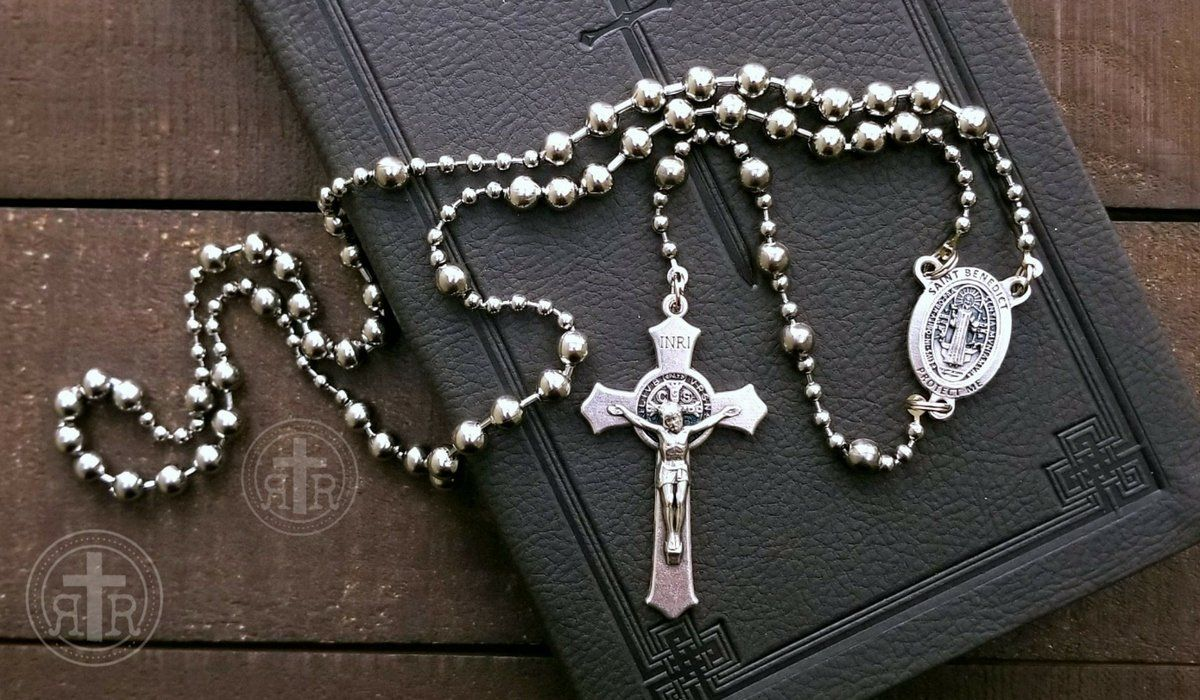 A Rosary With History 1916 Military Service Rosary These Thoughtfully Made Replicas Are Rugged And Strong No Tang Rugged Rosary Paracord Rosary Combat Rosary