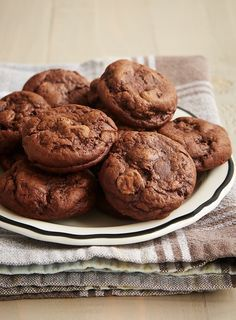 There is SO much rich, fudgy flavor in these little Irish Cream Brownie Cookies! If you love chocolate, then these are sure to please. - Bake or Break ~ http://www.bakeorbreak.com