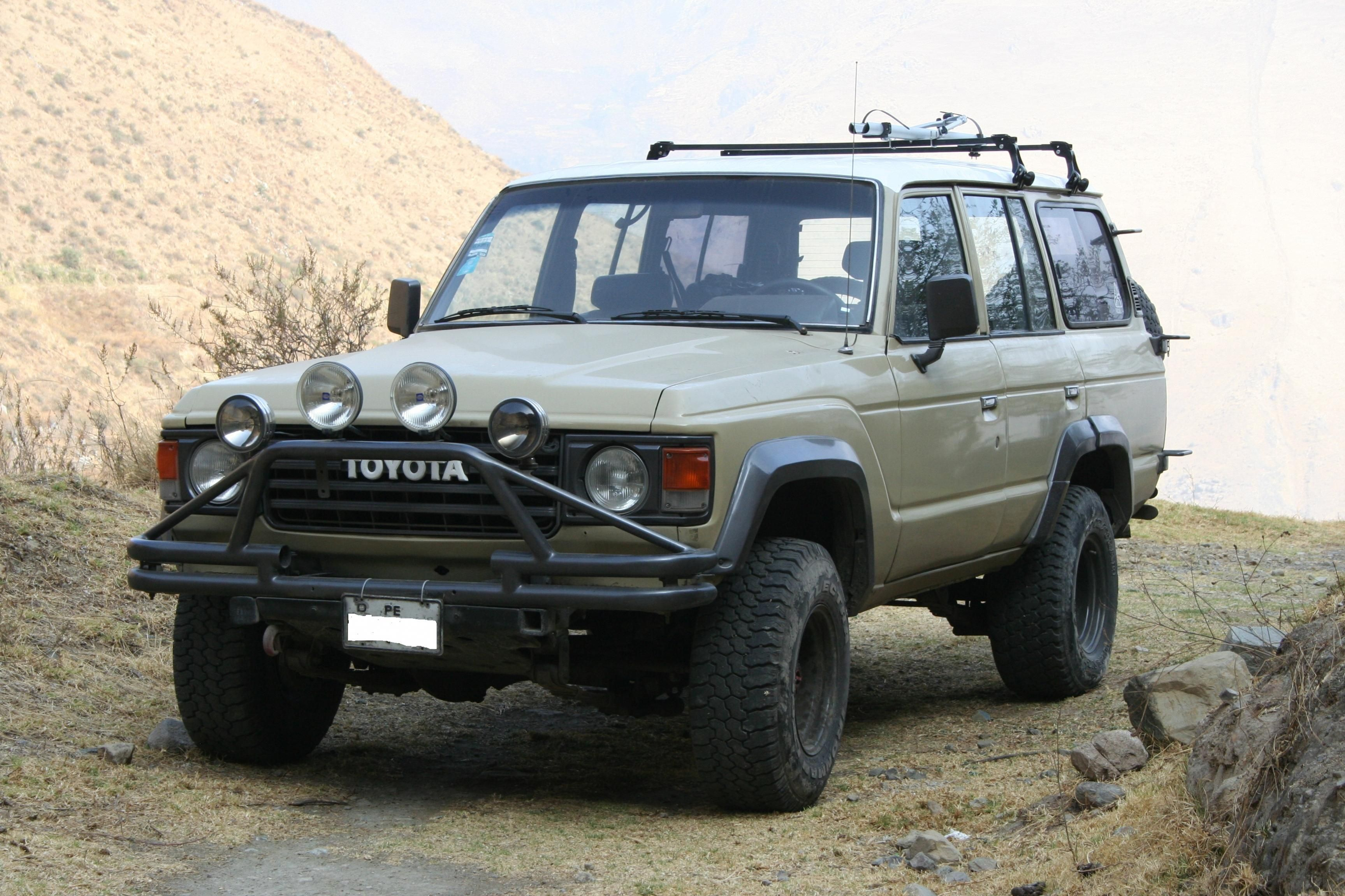 1984 toyota land cruiser fj60 in kevlar finish fj60 pinterest land cruiser toyota land cruiser and toyota