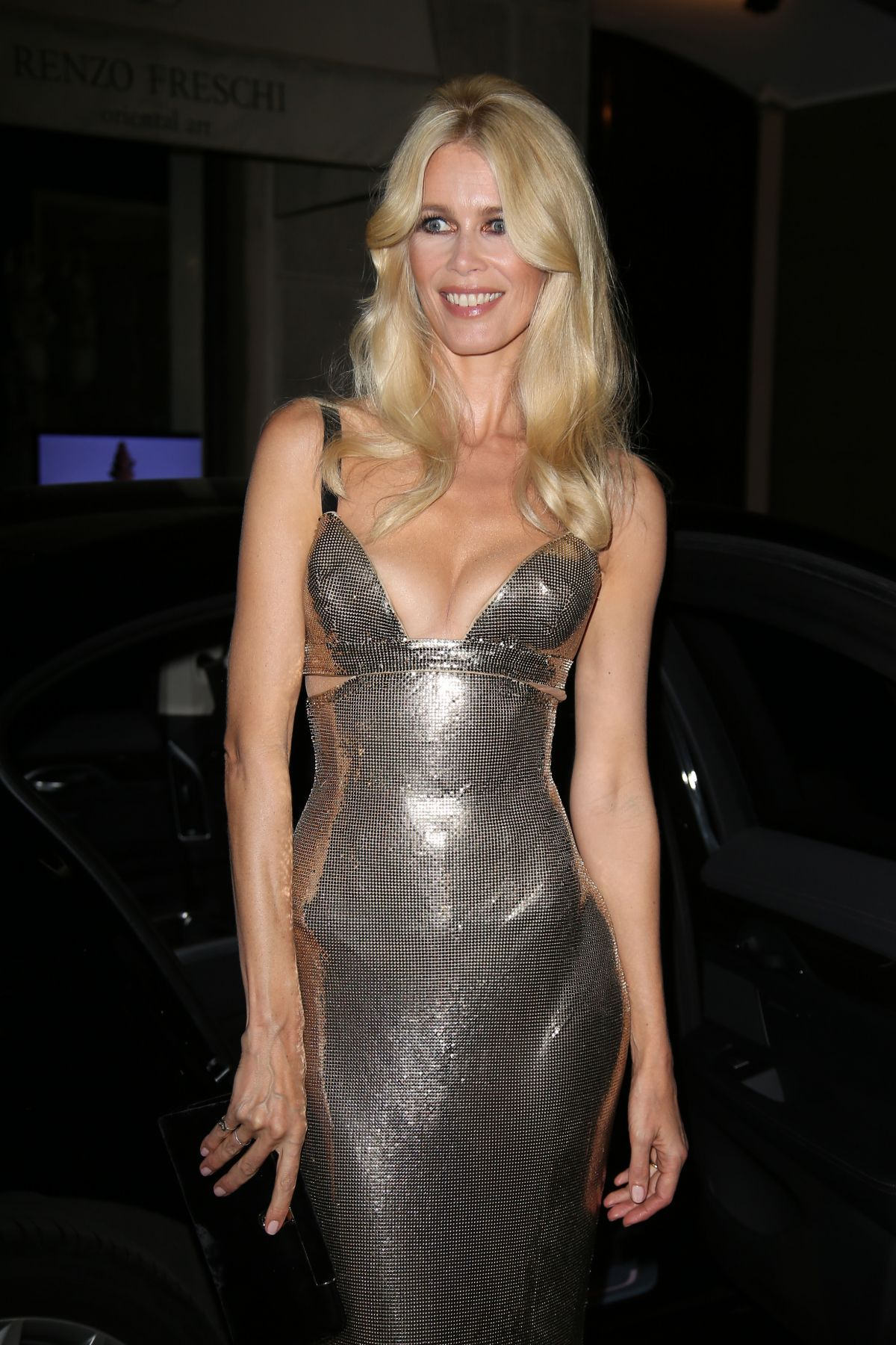 4160780f301 VERSACE Spring Summer 2018 Tribute Collection backstage with CLAUDIA  SCHIFFER In chain mail gown
