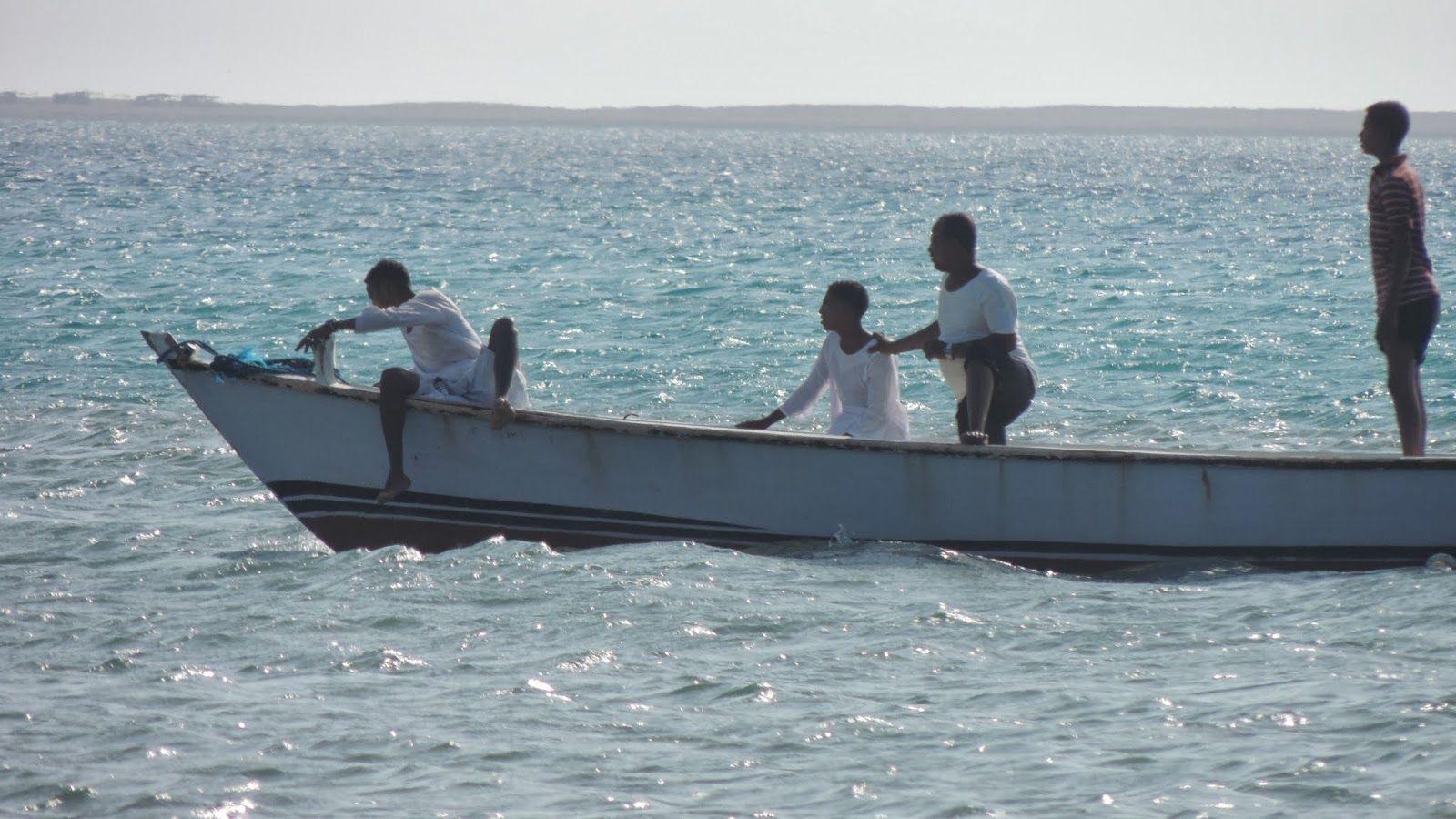 صيادين السمك البوم صور رحلة راس بناس Places To Visit Visiting Boat