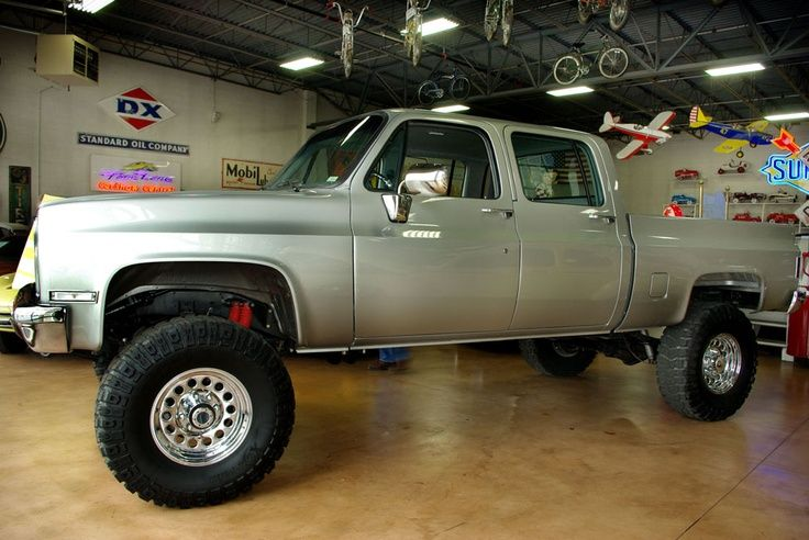 4 Door 1985 Chevy Truck