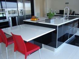 Cozinha em Quartzo Claro 1 - www.mogranitos.pt