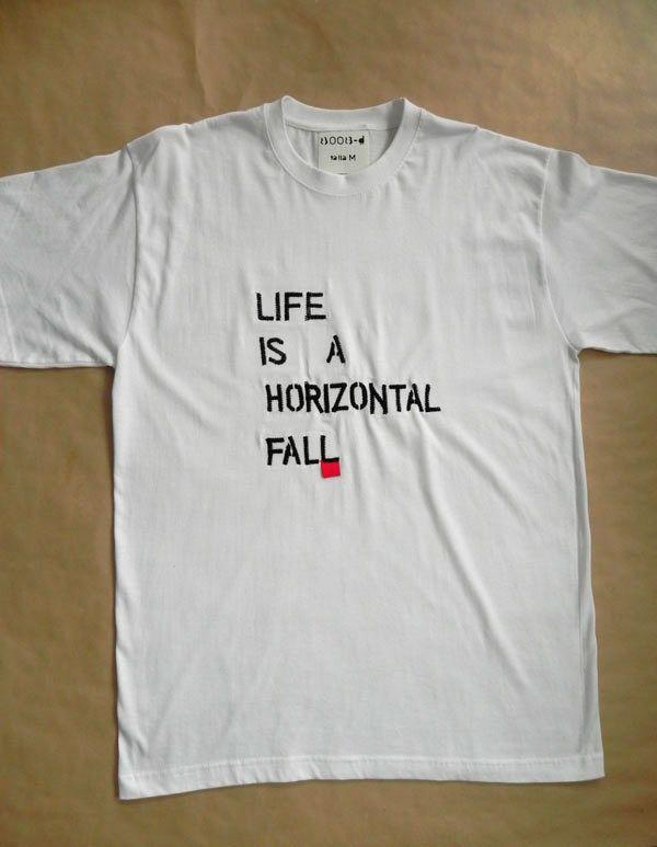"""Camiseta """"Life Is a Horizontal Fall"""""""