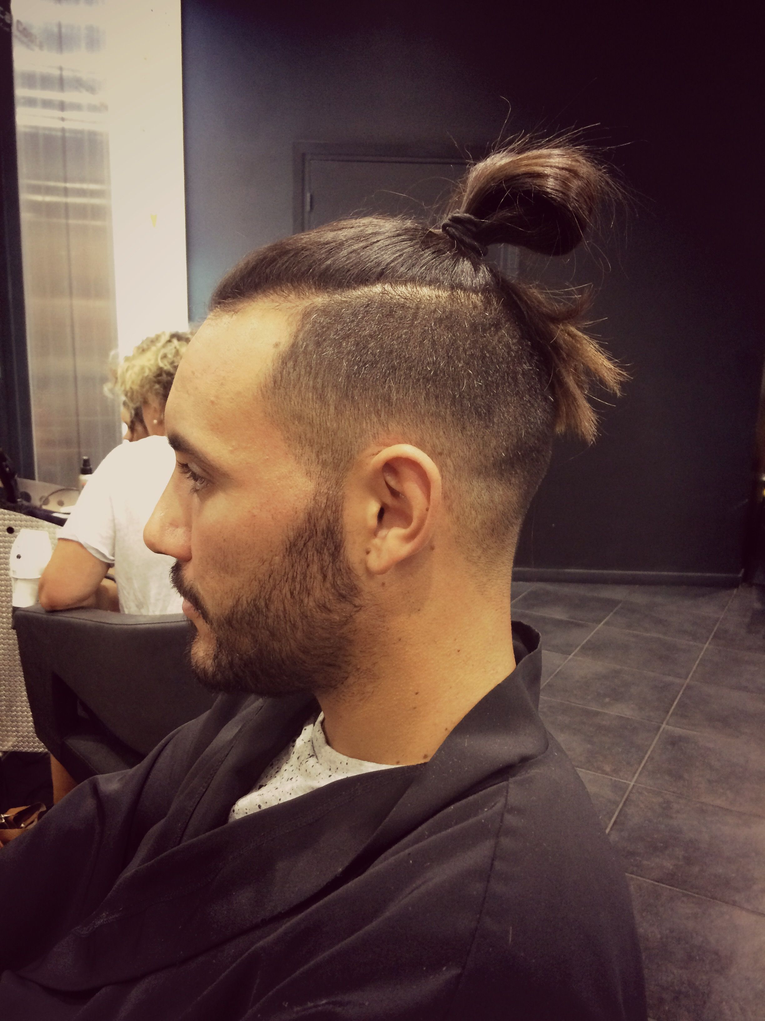French Retro Fadepompadour Hairstyling Draw Formen Hair Cut