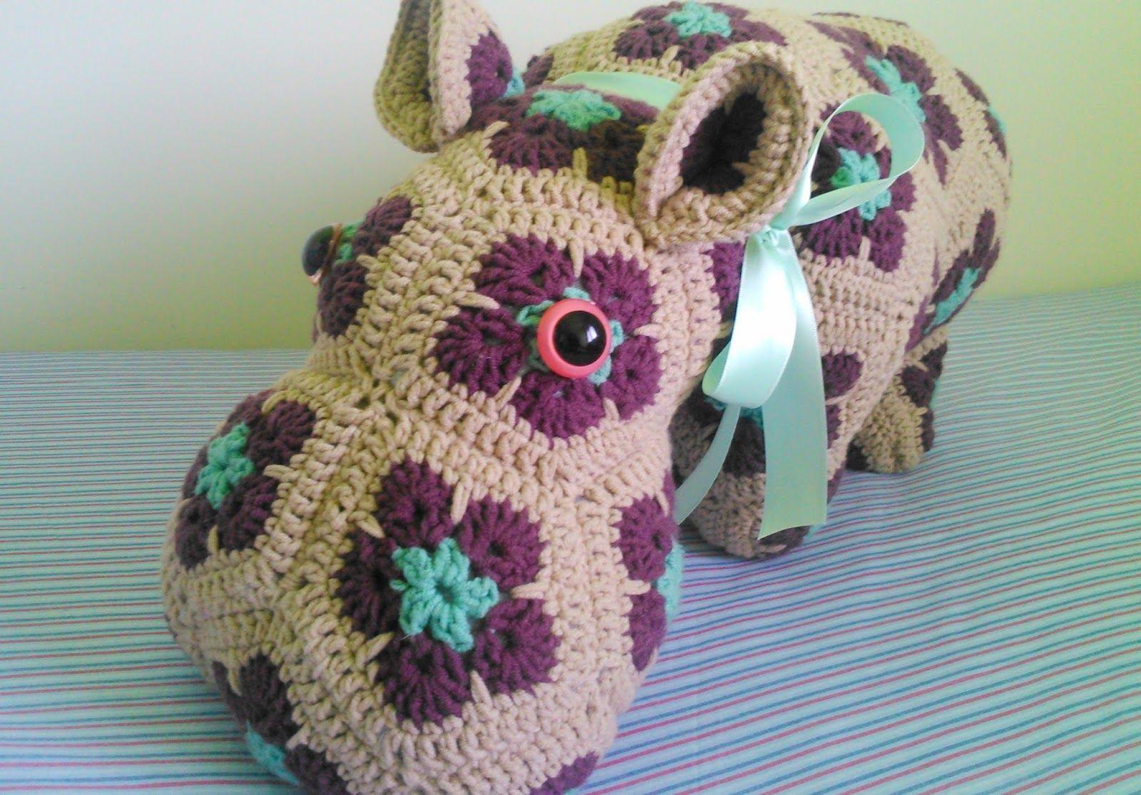 Hippo Amigurumi Patron : Hipopotamo de flor africana. Ganchillo African flower ...