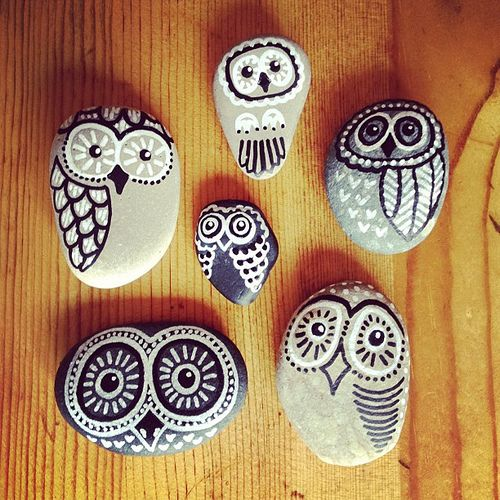 Painted rock owls - my Pinterest Party craft. <3 | von pooknflipproductions