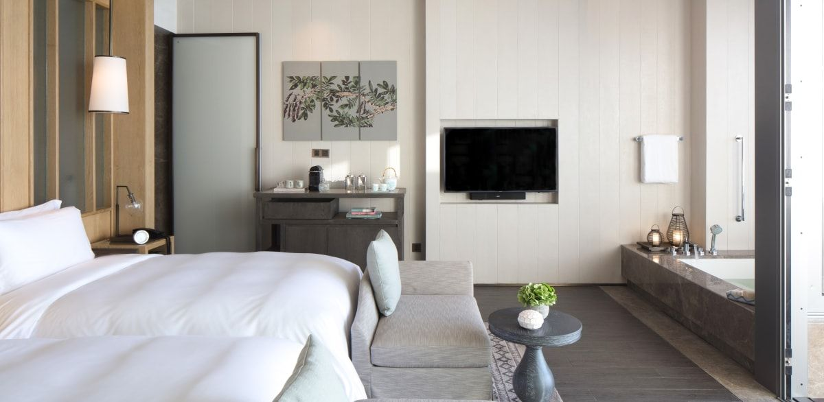 8 Stunning Hotel Bedroom Looks You Can Recreate At Home With