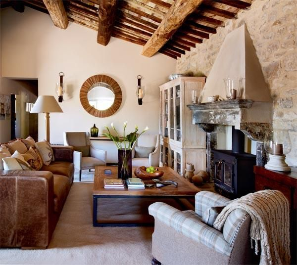 Una casa de campo en la toscana italiana la toscana for Casas coloniales interiores