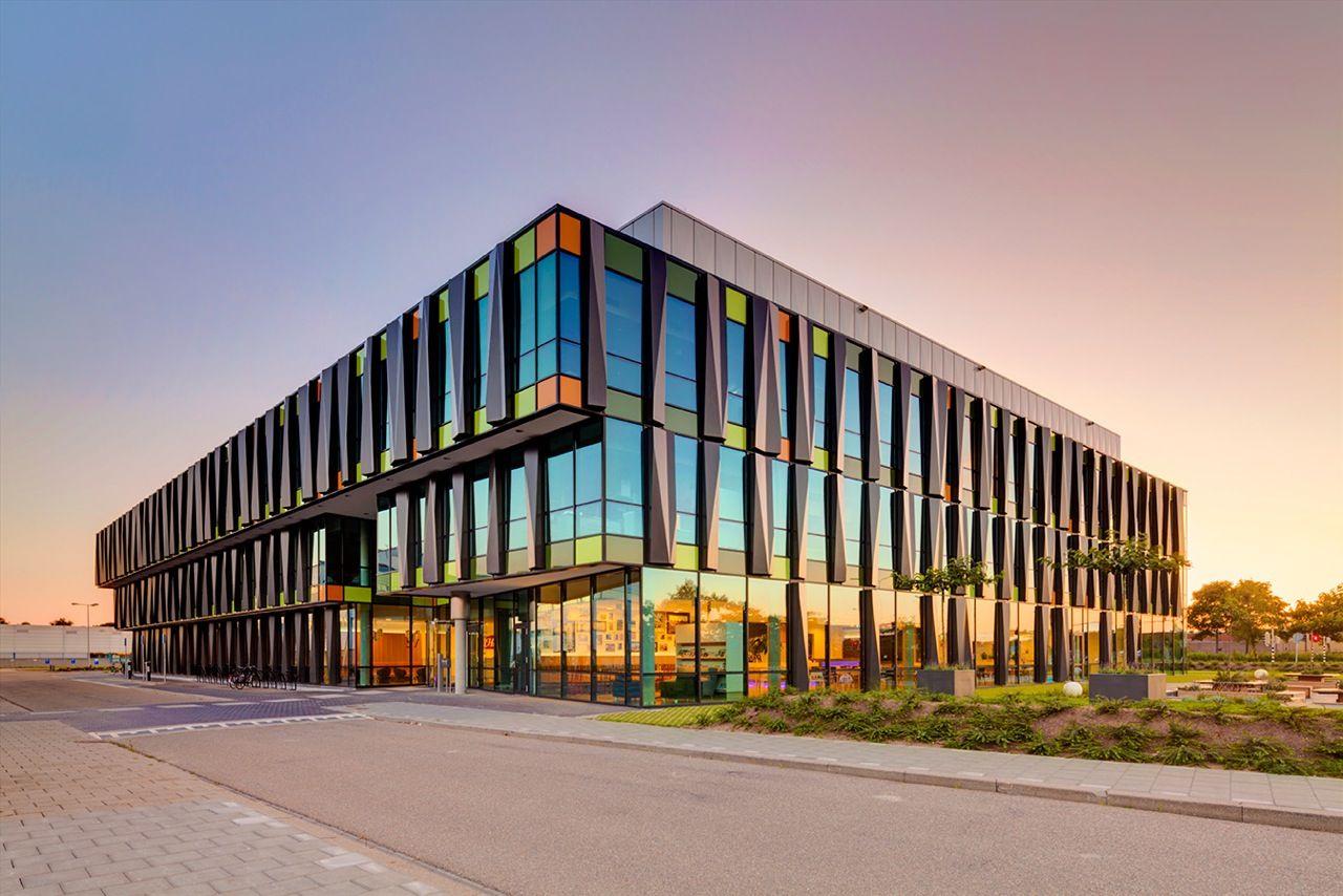 Heinzwall57 20130813 274x Office Snapshots Architecture Facade Exterior