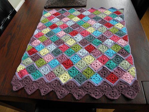 a finished blanket | Großmutterdecekn, Decken und Quadrate