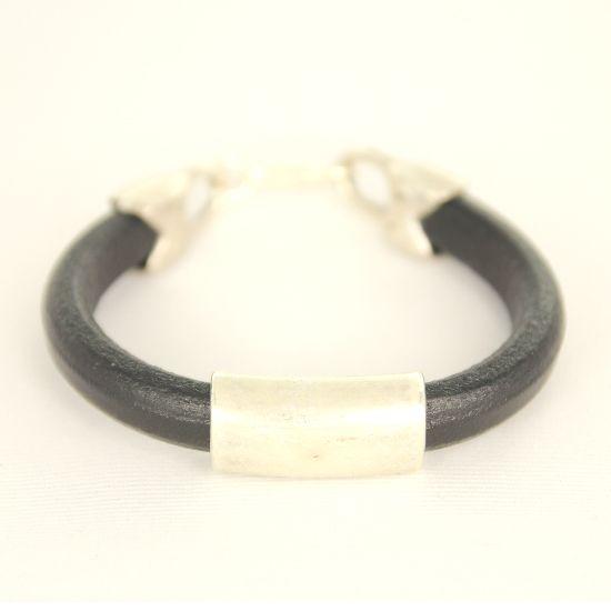 Black regaliz bracelet