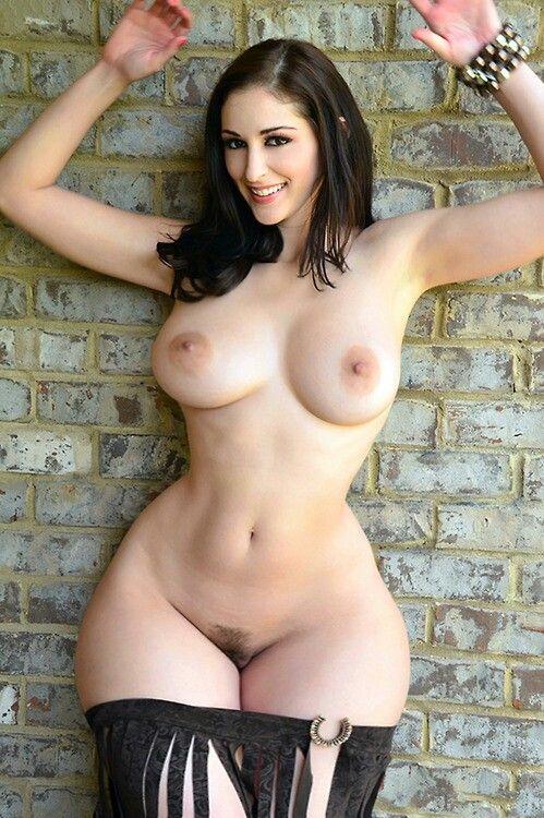 Curvy hips nude