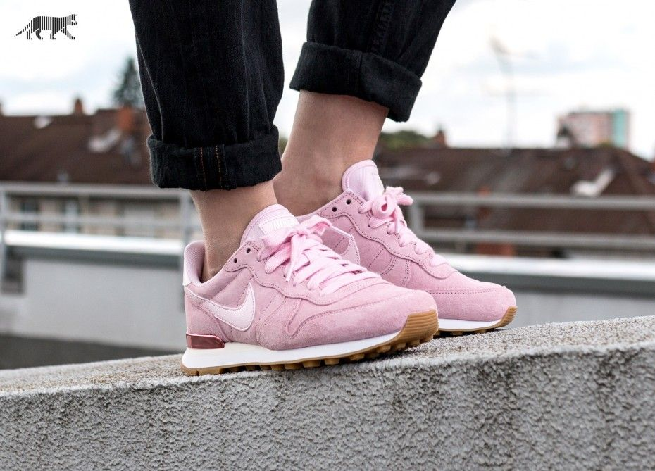 nike internationalist se rosa