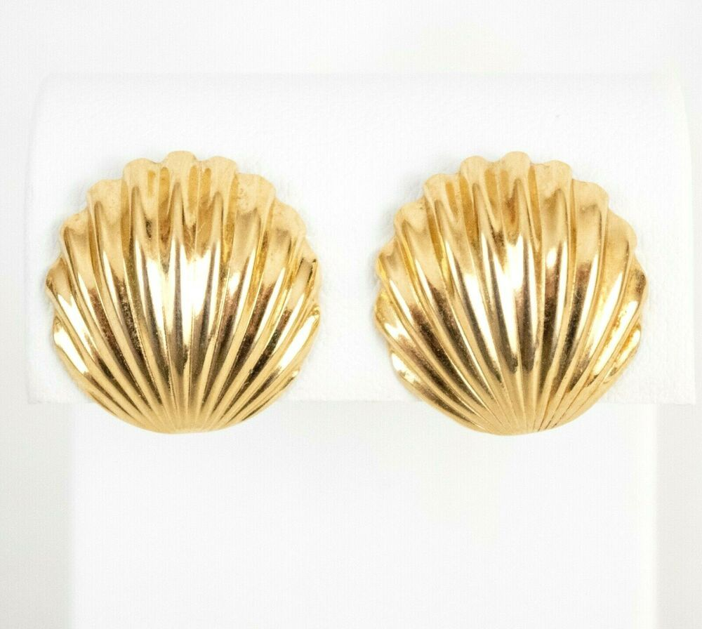 Vintage Crown Trifari Scallop Shell Silver Tone Necklace Earrings Set