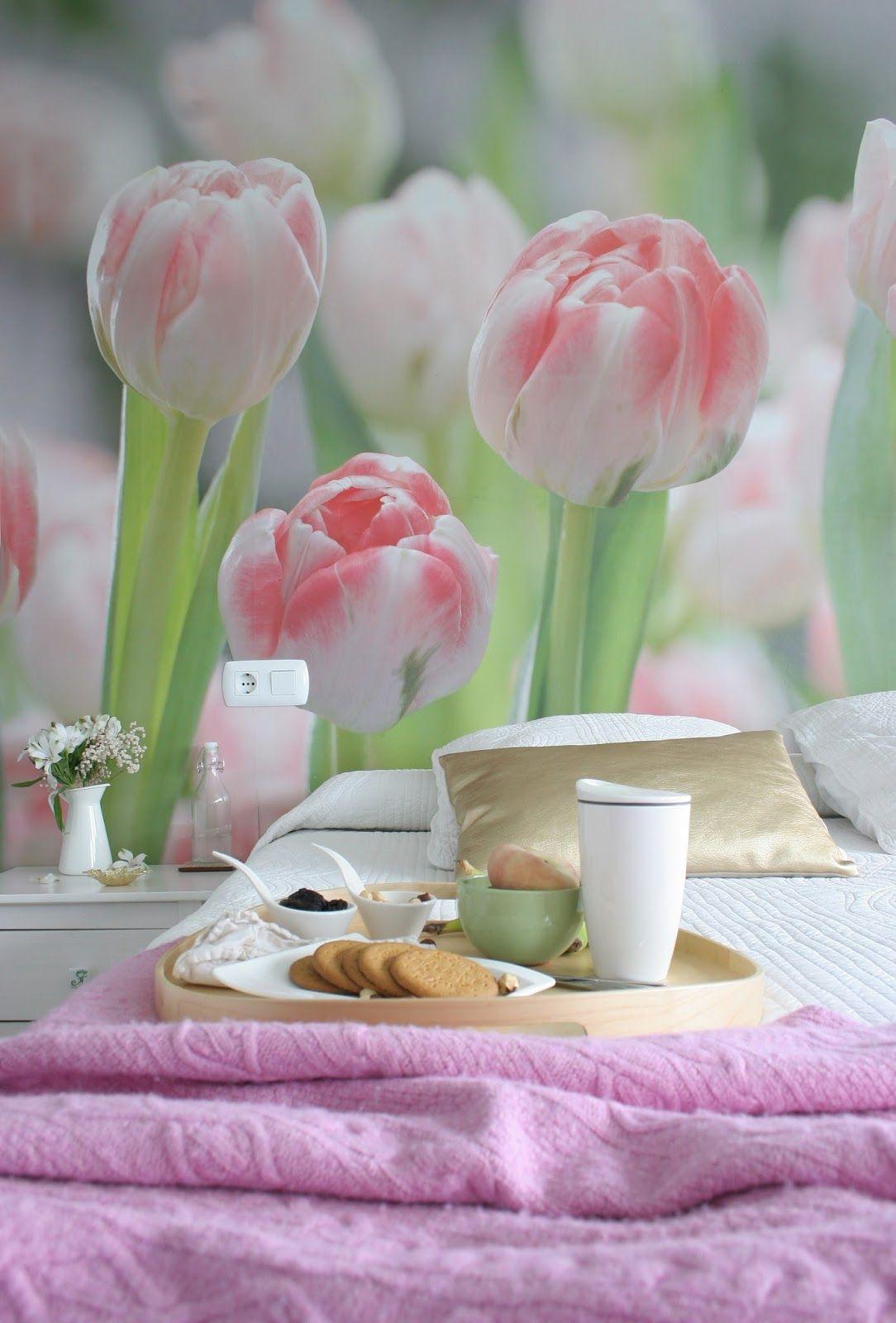 Flower bedroom by @Miren de DEF Deco   #flowers #bedroom #bed #cat #Pixers #interior #decor #home #homedesign #tulips