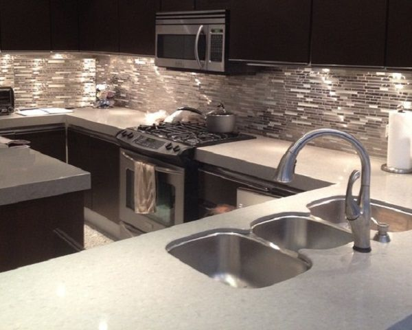 20 Modern Kitchen Backsplash Designs Glass tile kitchen