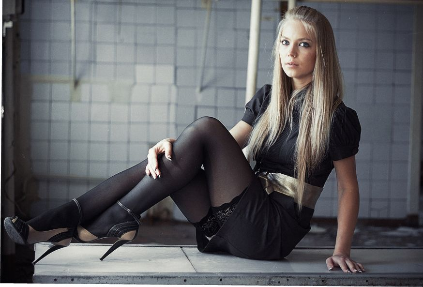 русские девушки в чулках фото квартире