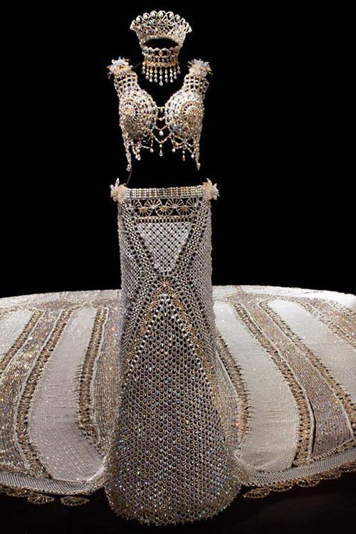 Wedding Dress The World S Heaviest Designer Gail Be Created Over Three Years Aptly Led Fantasy Features 500 000 Gl