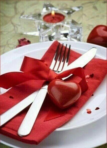 Pin By Dollyanastatia On Podróże Valentine Day Table Decorations Valentine Table Decorations Valentines Day Dinner