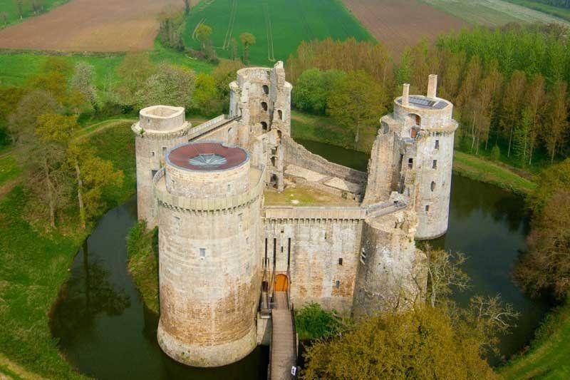 Cotes D Armor Chateau Fort De La Hunaudaye Pledeliac Bretagne Chateau Fort Chateau Chateau Bretagne