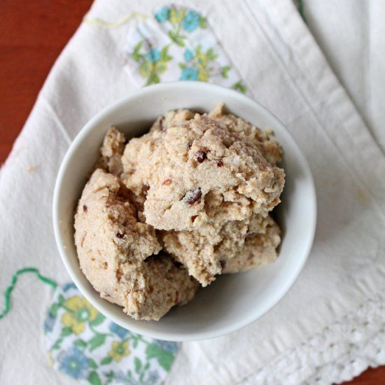 This vegan ice cream recipe doesn't require an ice cream maker for its creamy goodness.