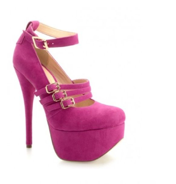 http://wonderobe.tumblr.com/  Shopping low cost, buy some beautifull shoes!  #shoes #heels #wedges #pumps #platforms #shopping #eshop