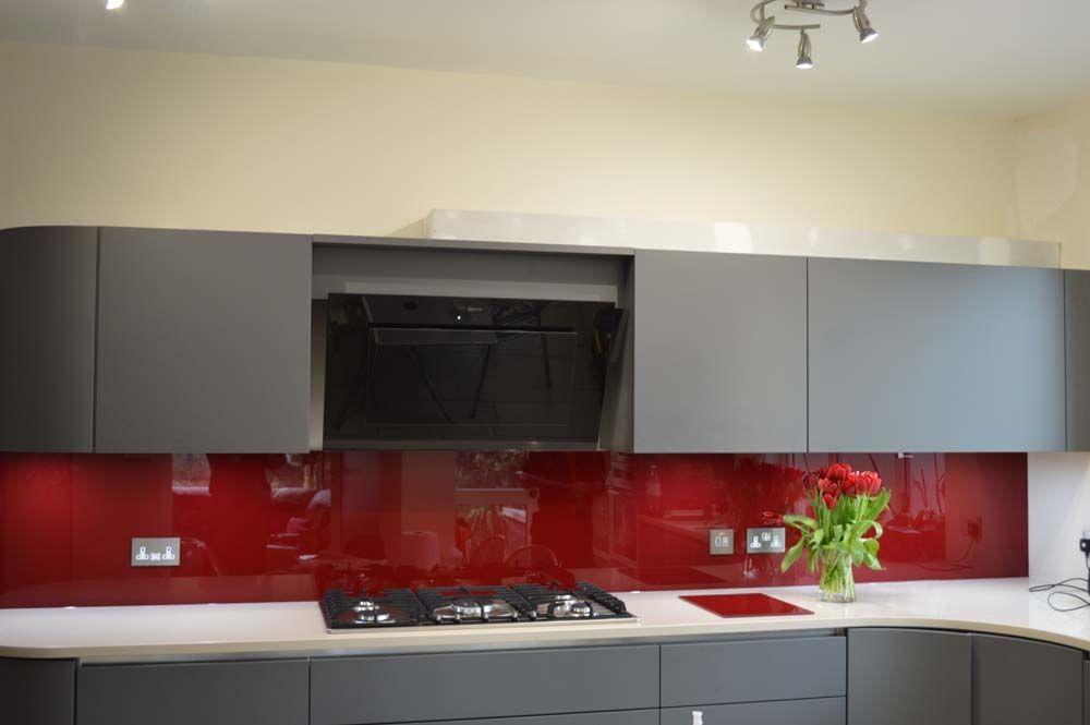 Purple red glass kitchen splashback by creoglass design for Red grey kitchen ideas