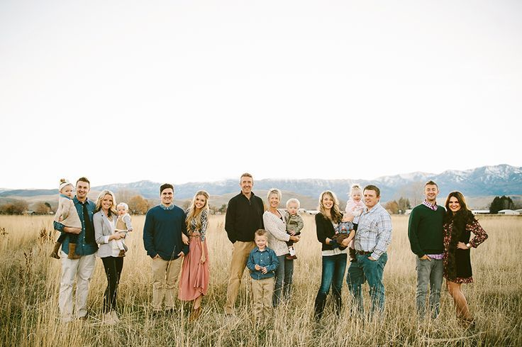 1000+ images about Family Photo Ideas on Pinterest | Photo ideas, Large family poses and Color #extendedfamilyphotography
