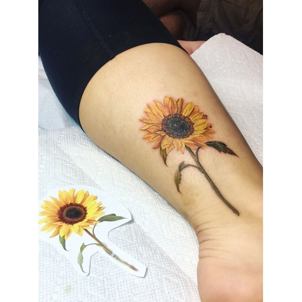 "Photo of Barythaya on Instagram: ""Got a lot of good feedback from the photo in my story so I figured I'd post it. Thanks for looking! #sunflower #sunflowertattoo"""
