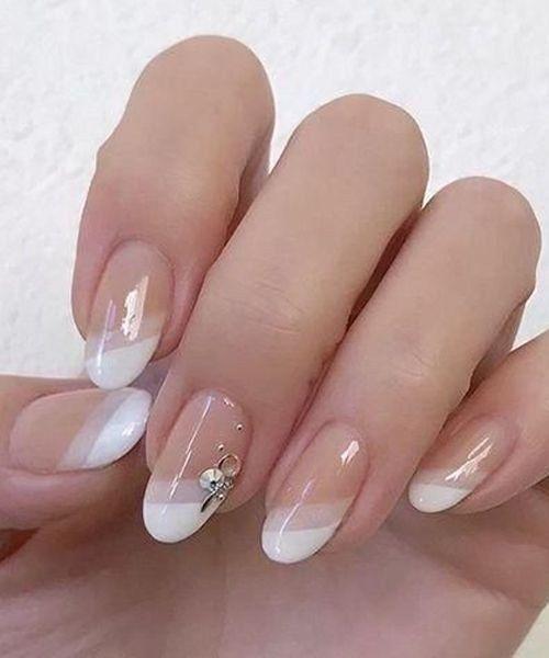 Erstaunliche französische Manikürenagelkunst entwirft Ideen 01   - Wedding nails - #entwirft #Erstaunliche #französische #Ideen #Manikürenagelkunst #Nails #Wedding #nailart