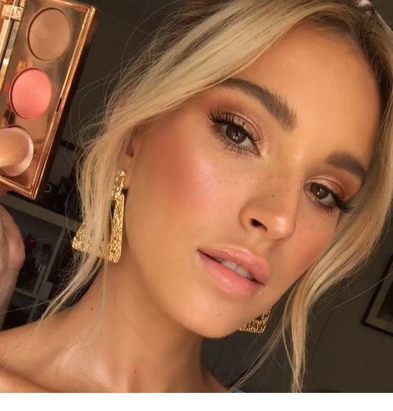 Makeup for a blonde - Miladies.net #formalen Make - up 7 Tipps für den perfekten Tightline Eyeliner - Frisur 2019 #makeupgoals