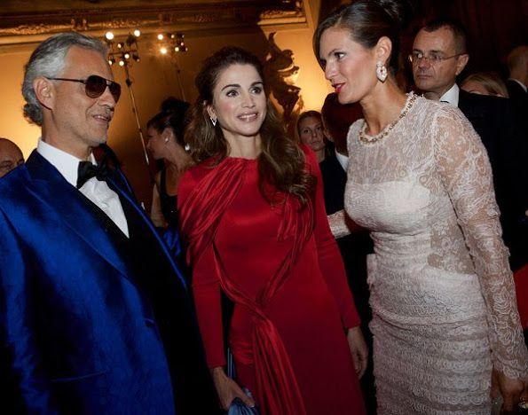 Queen Rania Receives Andrea Bocelli Humanitarian Award Queen Rania Her Majesty The Queen Royal Fashion