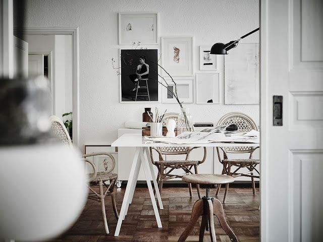 An Apartment In Goteborg With A Feminine Atmosphere Apartment Dining Room Apartment Dining Vintage Home Offices